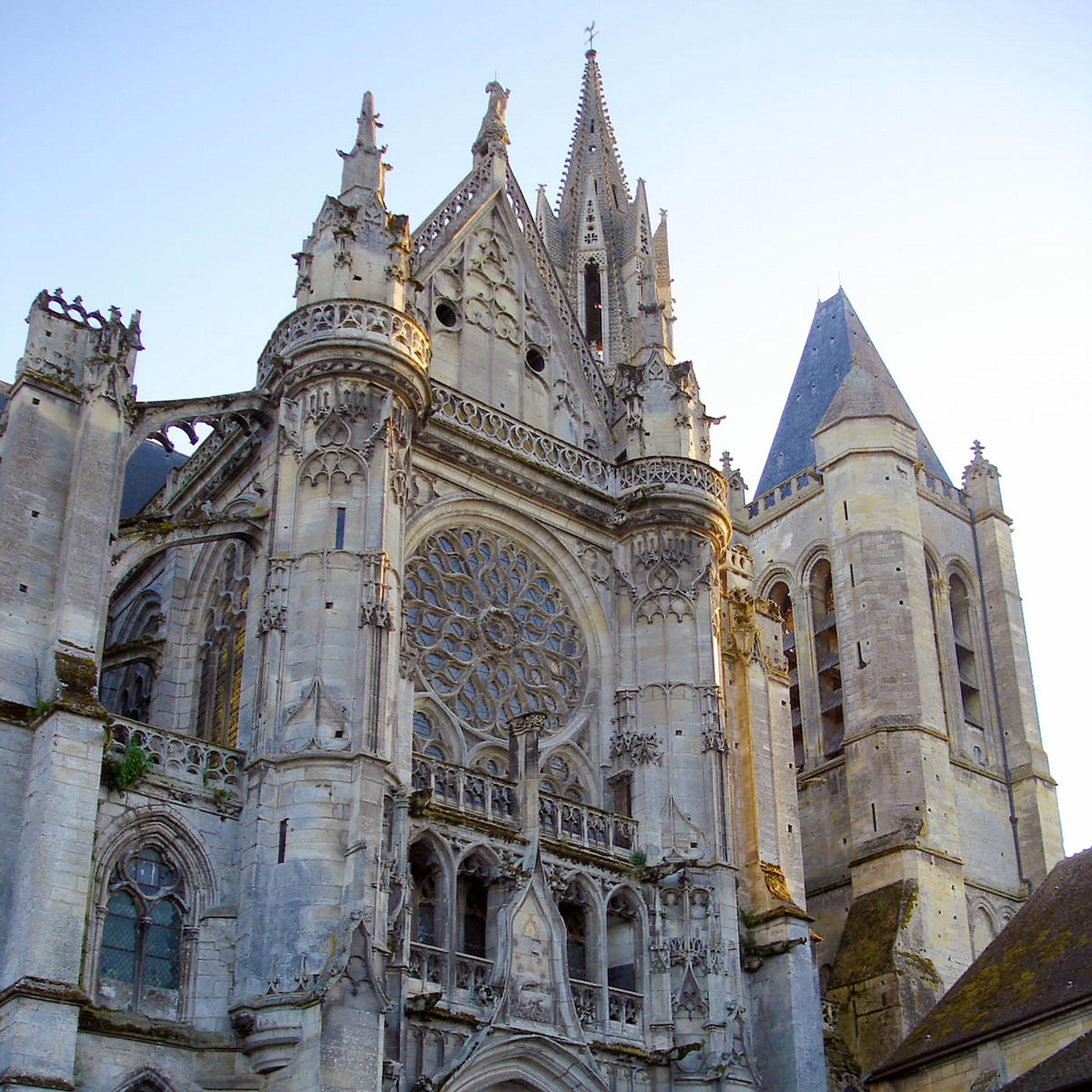 Cathédrale_de_Senlis_gîte_saint_germain_oise_versigny