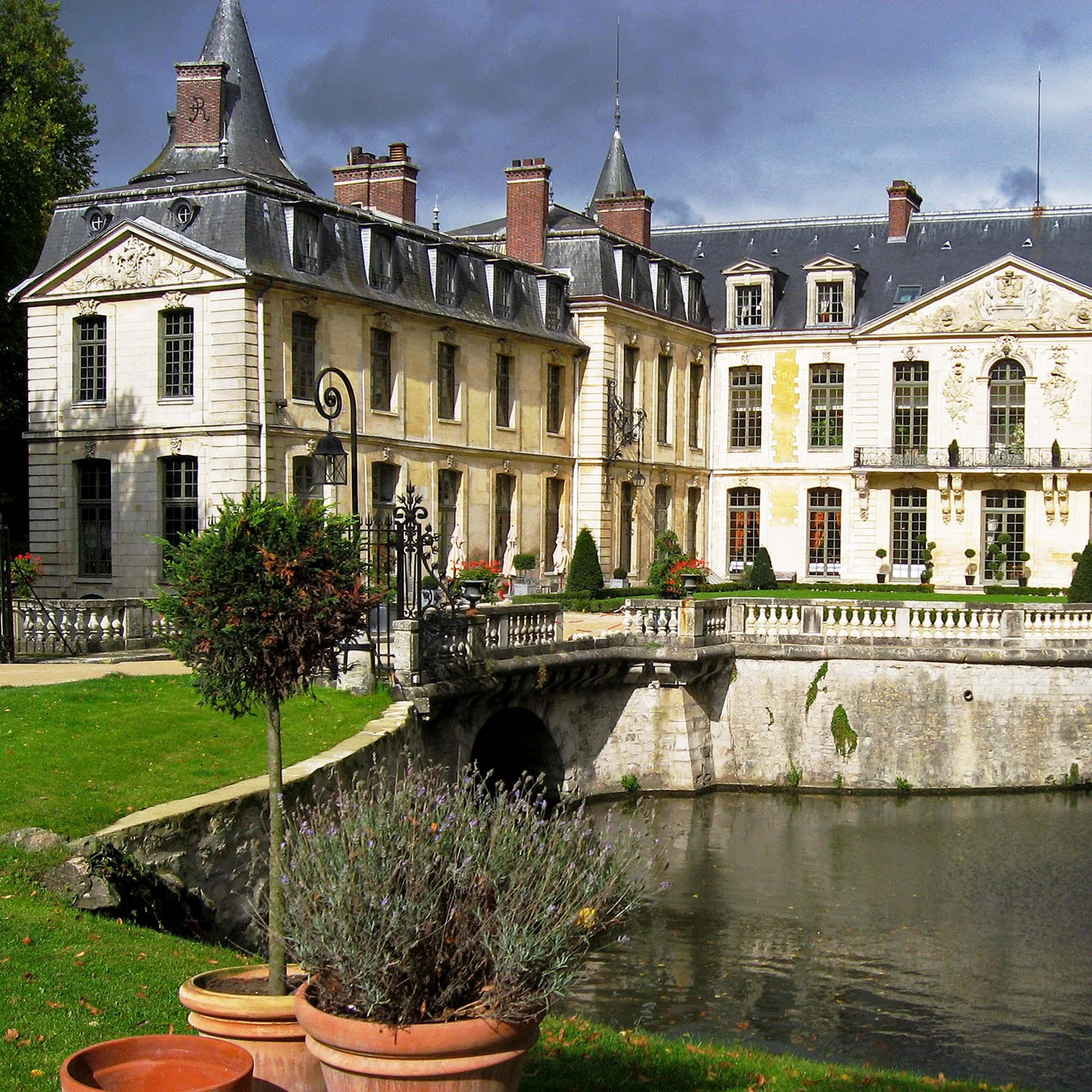 Chateau_Ermenonville_gîte_saint_germain_oise_versigny
